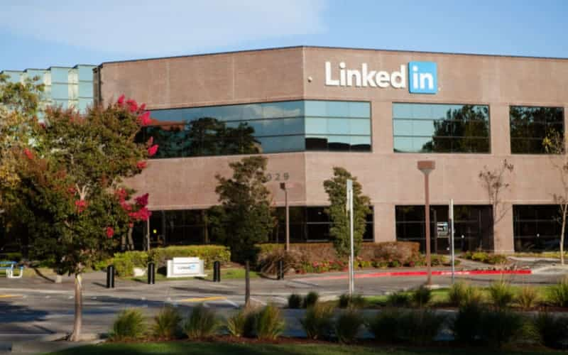 How To Create Events On LinkedIn From A Professional Profile And From A Page Of Your Business